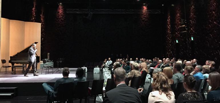 Graz im Februar 2016: Weinkonzert vocedivino im Mumuth, mit dem Karklina Trio und Rene Kolleger.